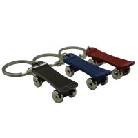 Skateboard Schlüsselanhänger aus Metall...